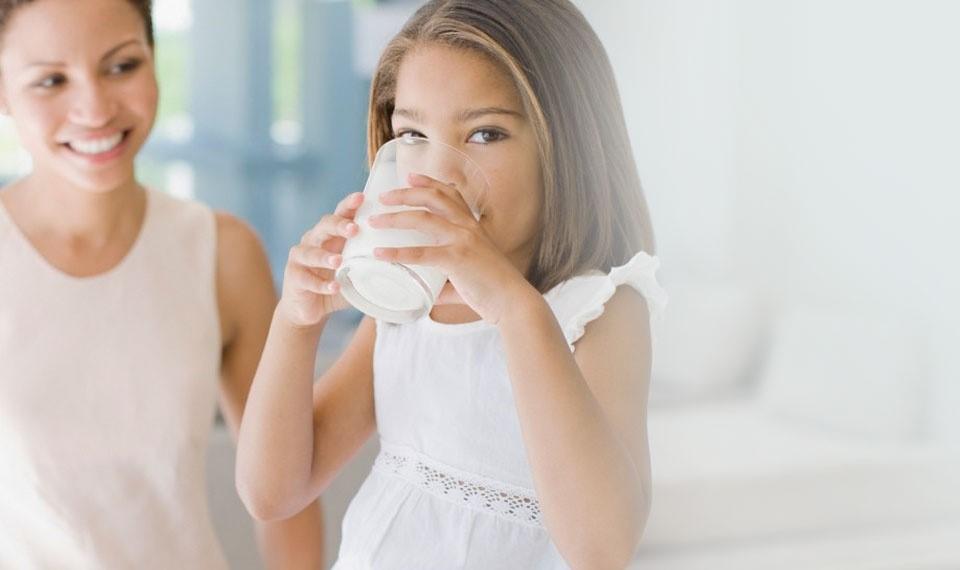Cara Cerdas Mengatasi Anak yang Tidak Suka Susu