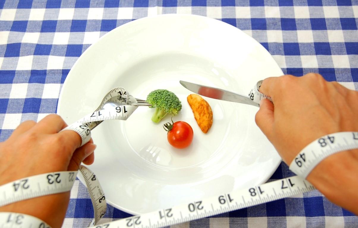 Diet? Tidak Cukup Kalau Hanya Membatasi Porsi Makan Saja