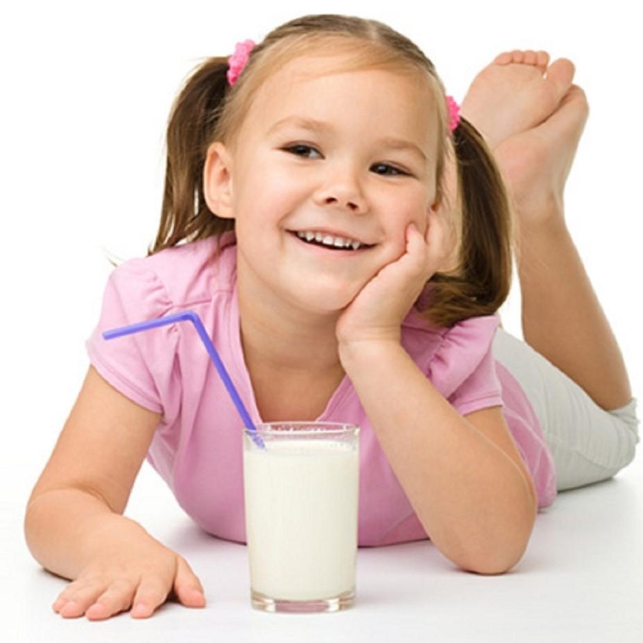 Minum Susu Sebelum Tidur dan Kesehatan Gigi