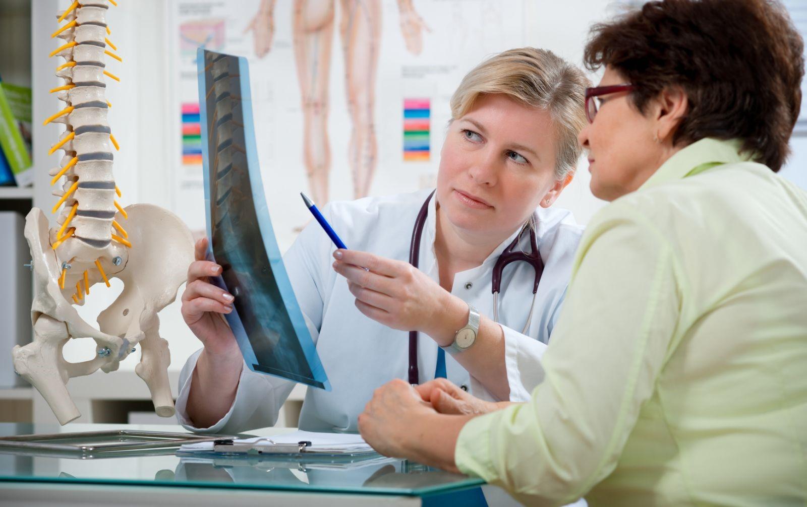 Alasan Wanita Lebih Rentan Terkena Osteoporosis Dibanding Pria