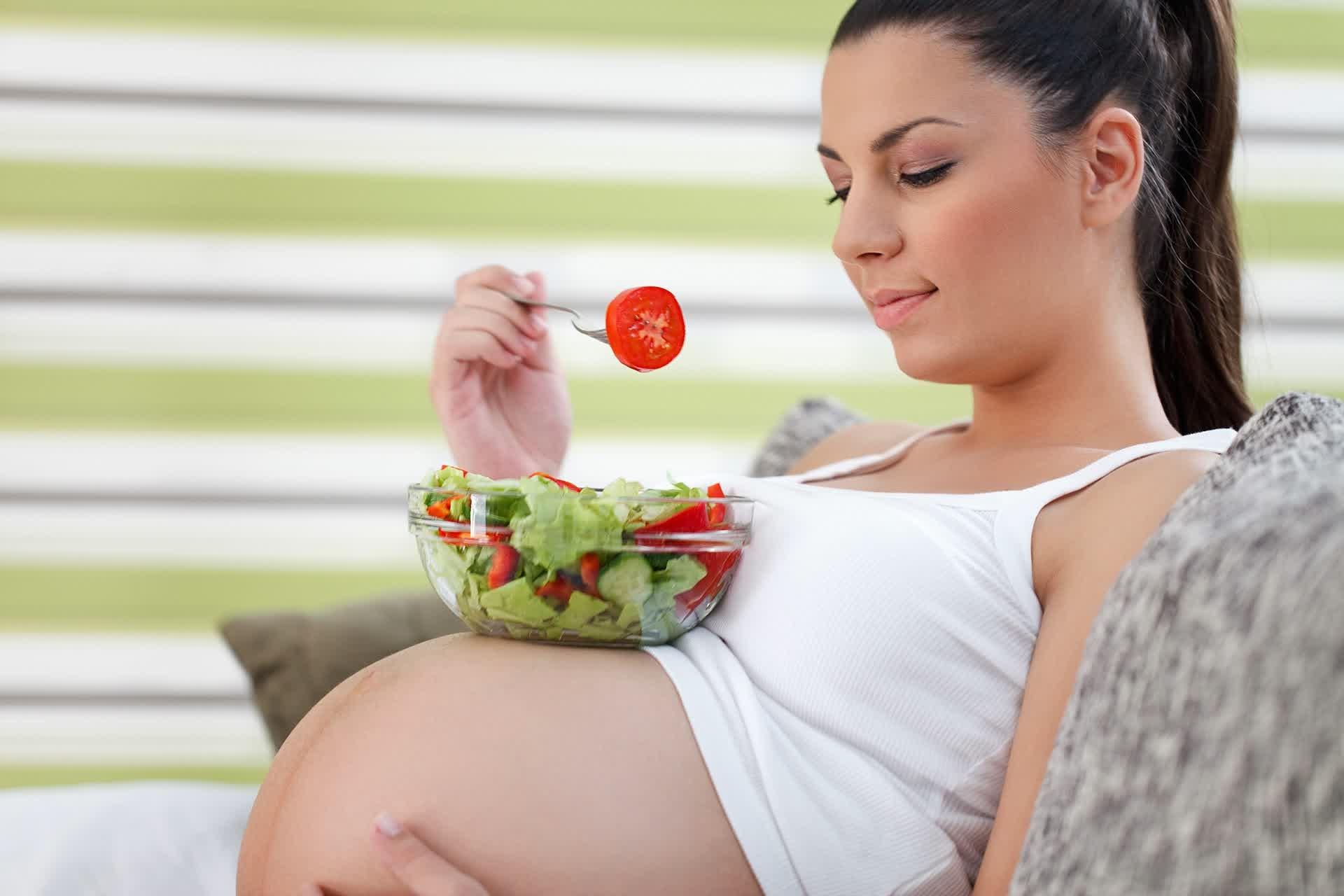 Boleh Nggak Sih Suka Makanan Pedas Saat Hamil?