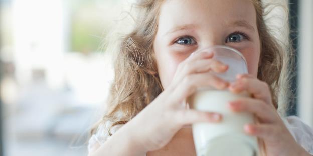 Ingin Memberi Anak Susu UHT Pasca Pemberian ASI? Ini Aturannya