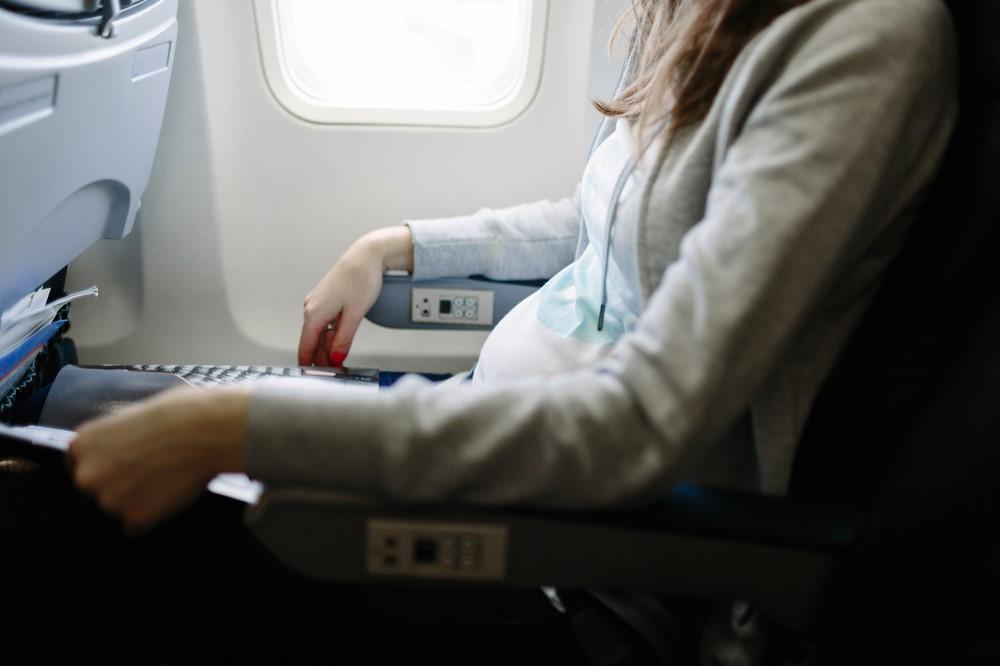 Bolehkah Ibu Hamil Naik Pesawat?