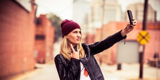 Selfie Bisa Redakan Stres dan Meningkatkan Percaya Diri