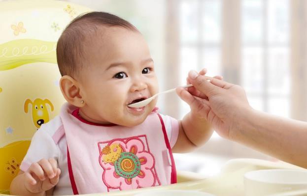 Makin Enak dan Sehat, Tambahkan Susu Pada Bubur Si Kecil!