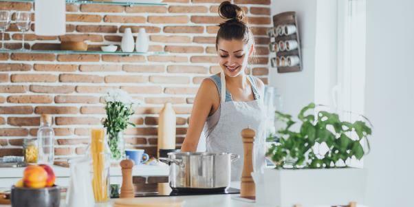 Benar Nggak Sih Ibu Rumah Tangga Lebih Bahagia Ketimbang Ibu Bekerja?