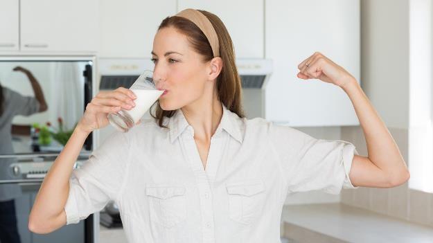 Ini Alasan Kenapa Orang Dewasa Masih Wajib Minum Susu!