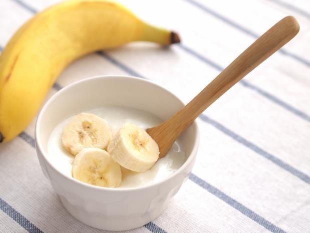 Pisang Plus Yogurt, Cara Praktis Cegah Penuaan Dini!