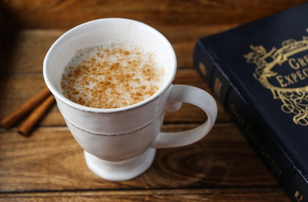 Resep Praktis : Susu Hangat Si Pengusir Insomnia