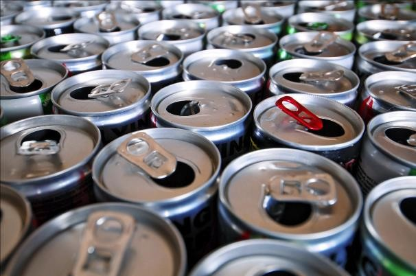 Suka Konsumsi Minuman Berenergi? Awasi Dampak Buruknya!