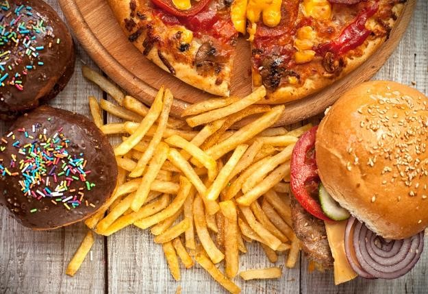 Awas, Tokoh Kartun Gemuk Bisa Bikin Anak Kecanduan Junk Food!