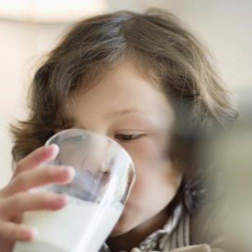 Fakta, Penurunan Fungsi Otak Bisa Dicegah dengan Rutin Minum Susu