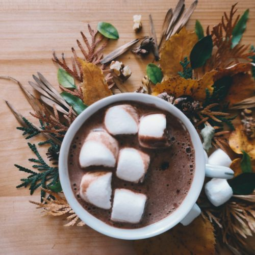 Lagi Santai? Yuk Racik Hot Chocolate Drink yang Lezat Ini