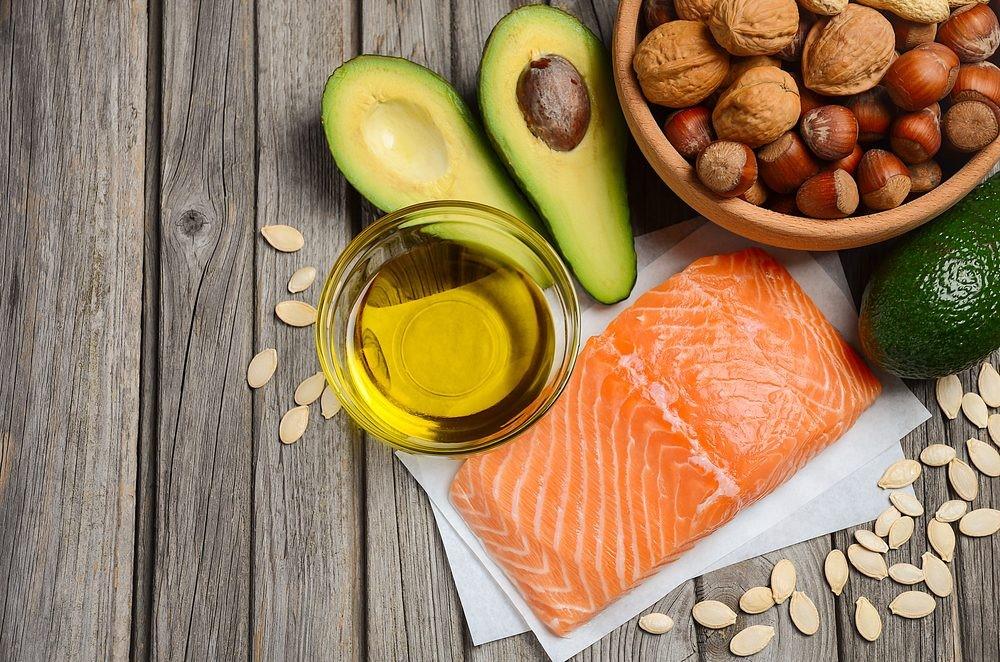 Daripada Baper, Mending Abaikan Aja Mitos-mitos Tentang Makanan Ini!