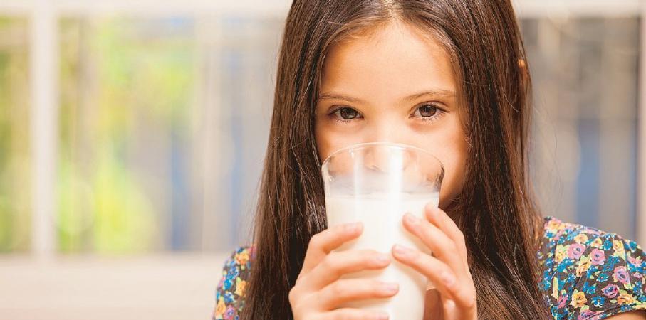 Manfaat Menambahkan Susu Pada Menu Sahur