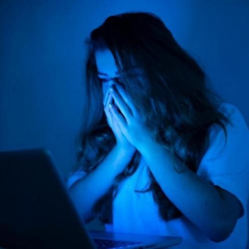 Milk Lovers, Ini Dampak Buruk Sering Stalking Akun Media Sosial!