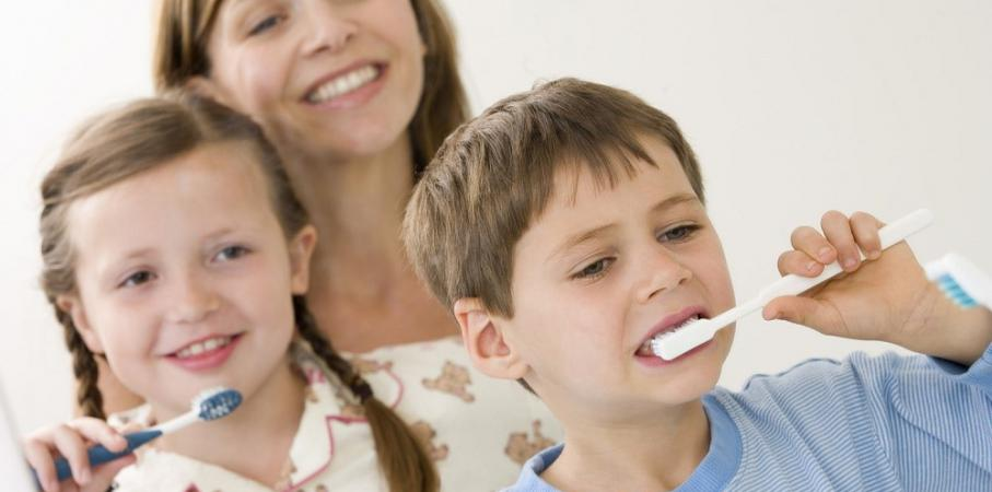 Benarkah Menyusui Lebih dari 2 Tahun Bikin Gigi Anak Berlubang?