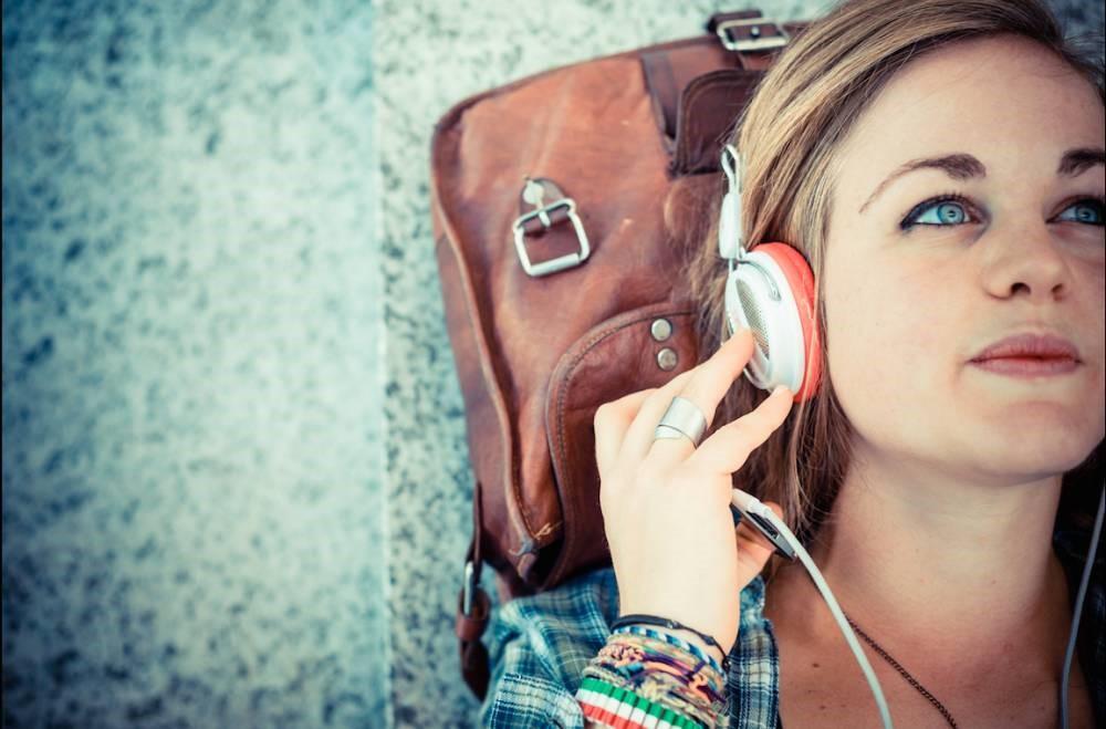Lagu-Lagu Ini Cocok Didengarkan Saat Travelling