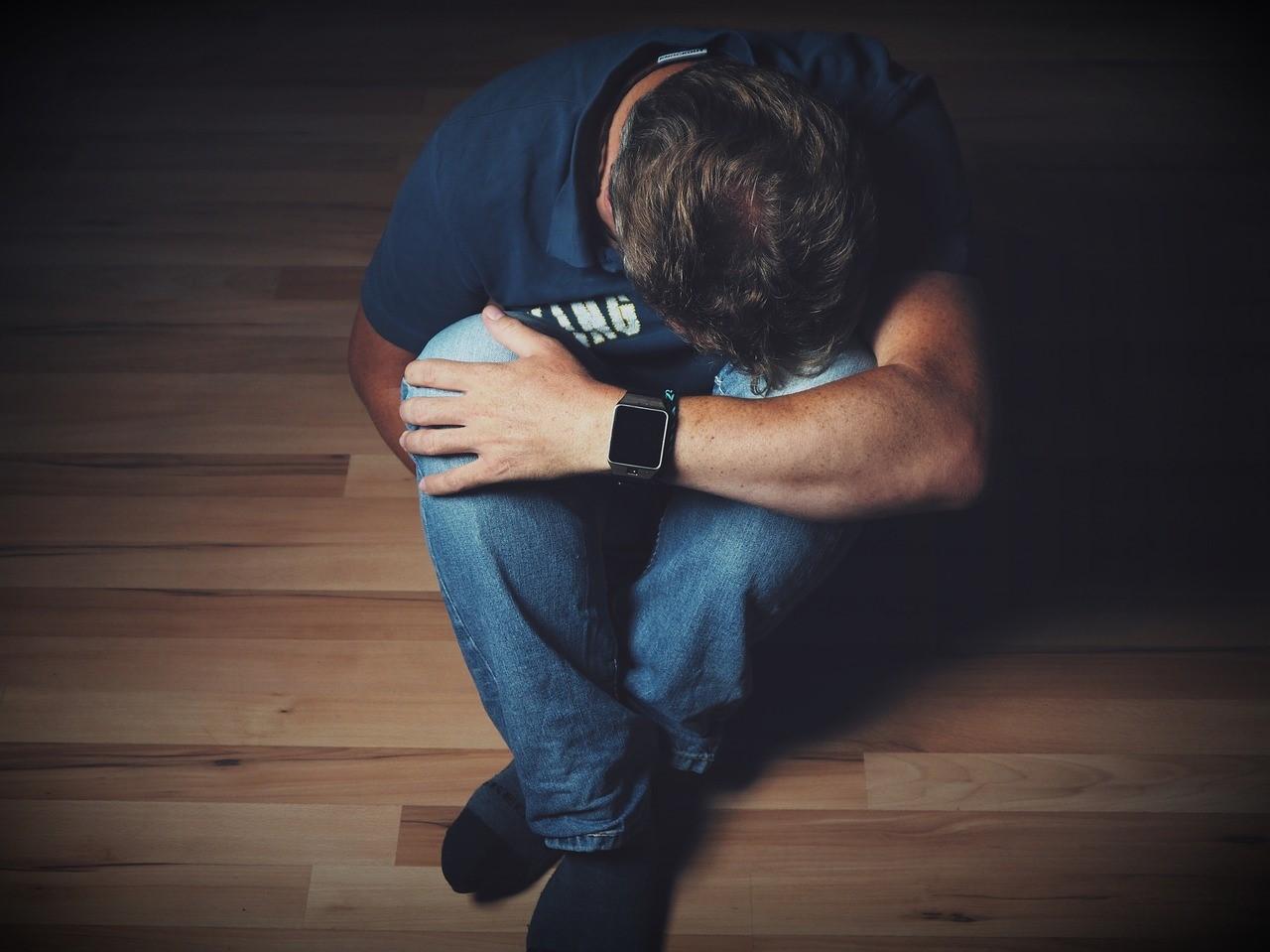 Apakah Anda Sedang Depresi? Yuk Lihat Beberapa Cirinya!