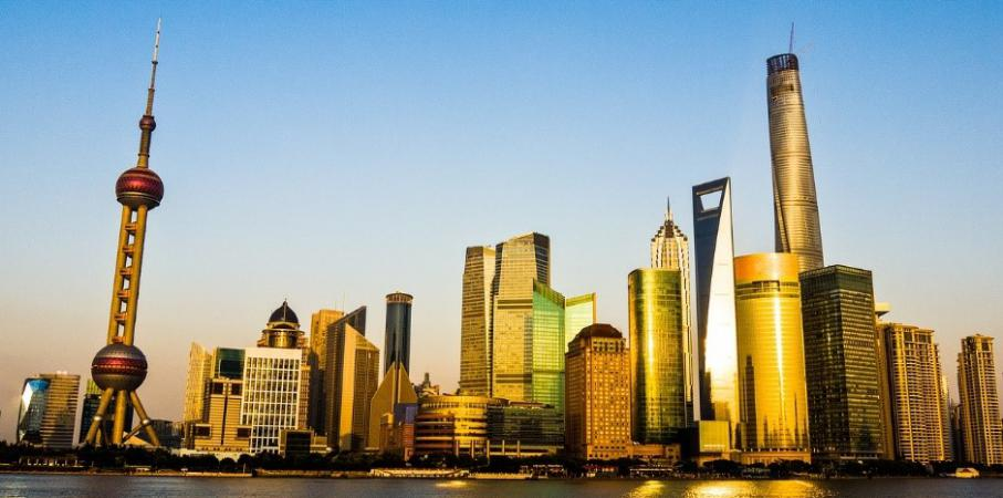 Belum ke Shanghai Kalau Nggak Berfoto di Shanghai Tower!