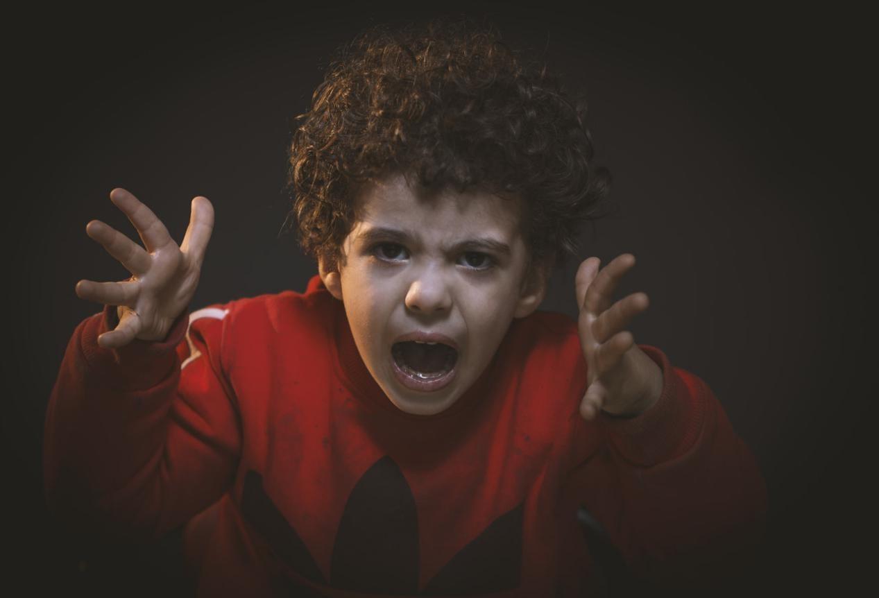 Jangan Pakai Kekerasan. Begini Caranya Menghadapi Anak yang Suka Melawan!