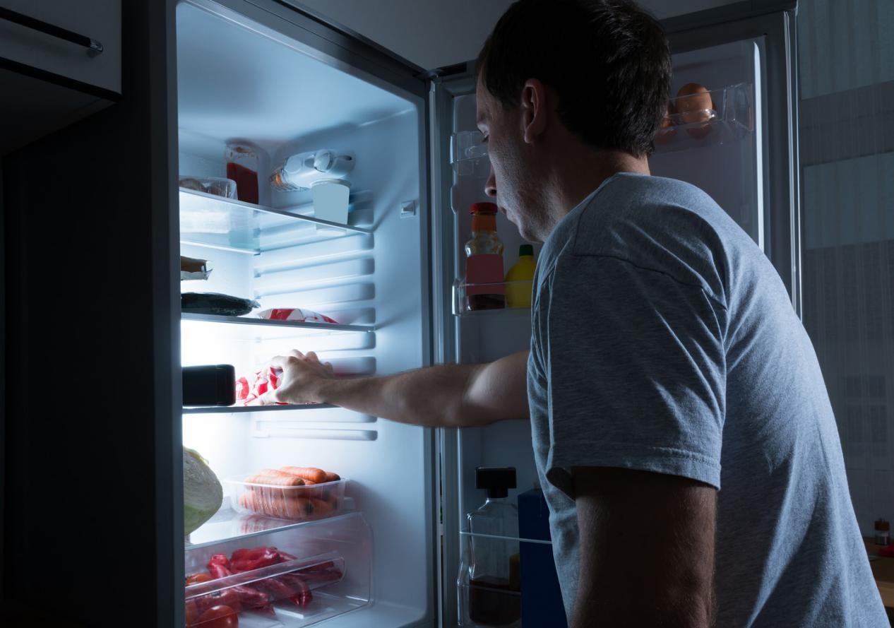 Ternyata Ini Lho Penyebab Anda Sering Lapar Saat Malam Hari!
