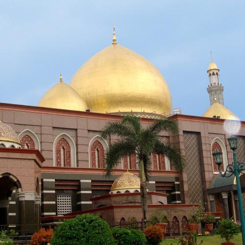 Main Yuk Ke Masjid Kubah Mas, Spot Ngabuburit Hits di Depok