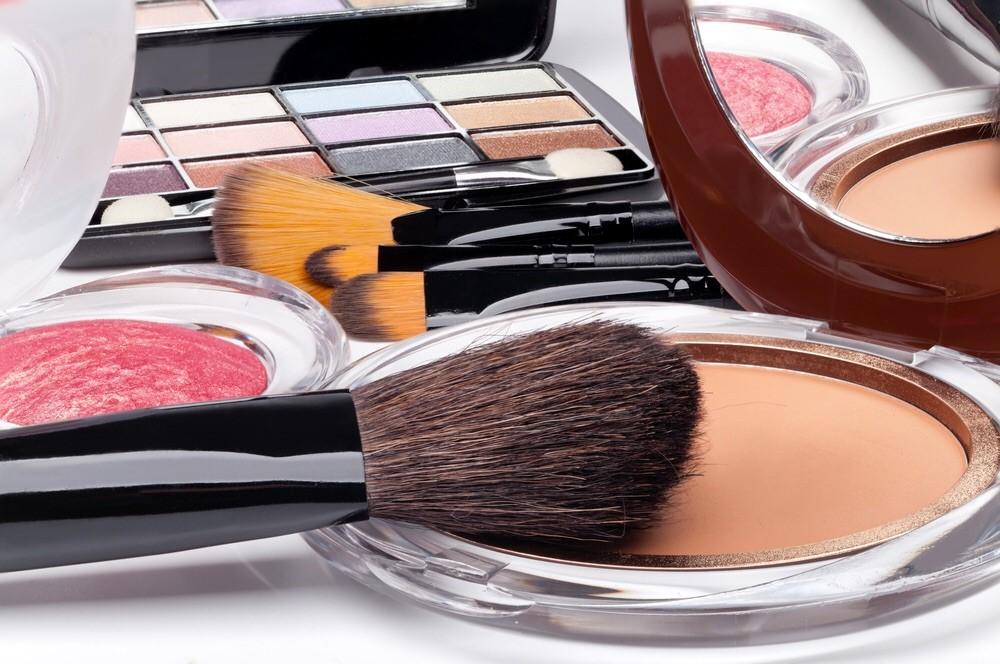 Hati-hati Gunakan Kosmetik. Ini Bahaya Merkuri Bagi Tubuh!