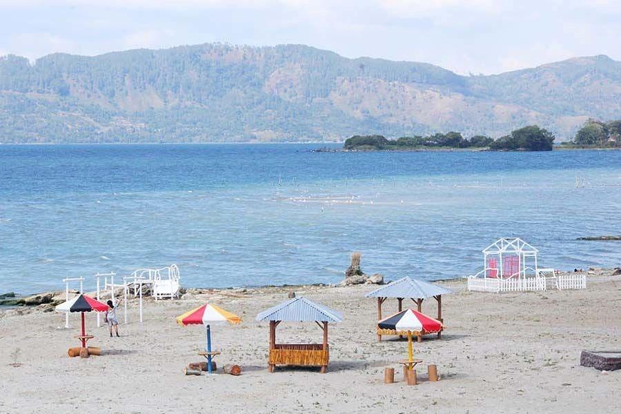 Yuk Main Ke Batu Hoda, Pantai Eksotis di Danau Toba