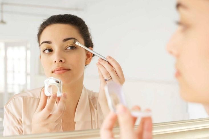 Wajib Tahu! Cara Racun Kosmetik Beri Dampak Buruk Bagi Janin Dalam Kandungan