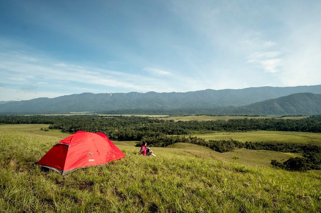 Bukit Sontiri, Surga Indah Dengan Ribuan Jaring Laba-laba