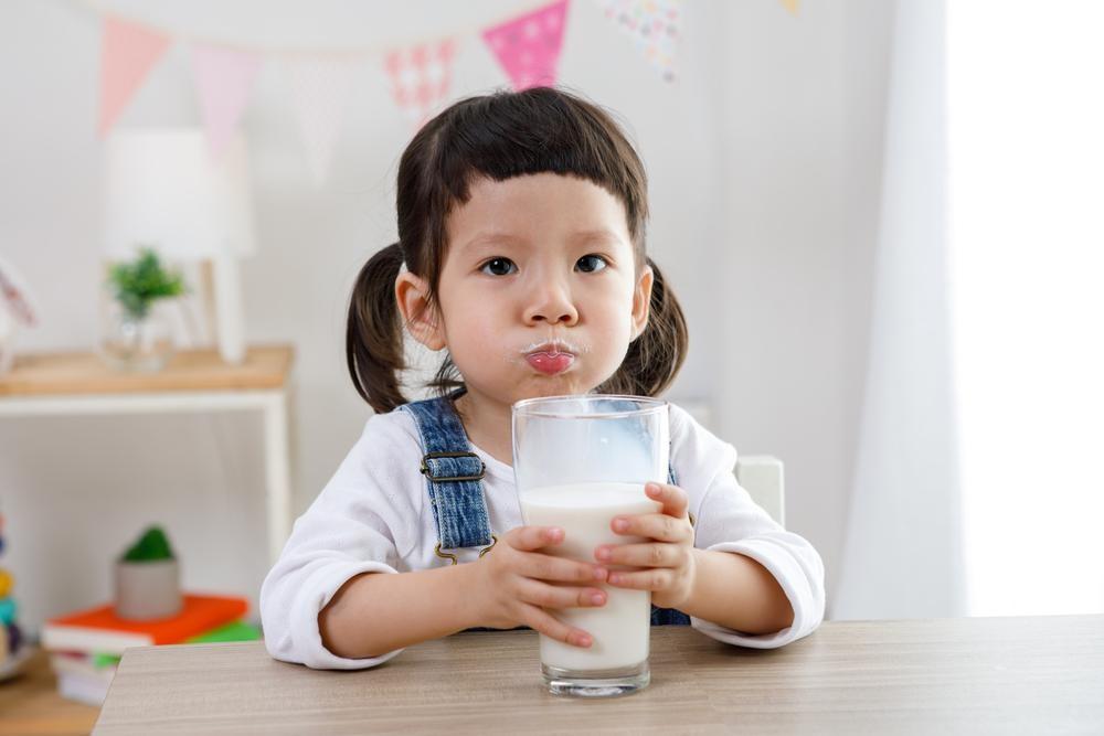 Rutin Konsumsi Susu Ternyata Bantu Tingkatkan Kesehatan Anak
