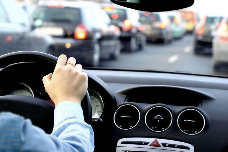 Sering Lengah? Pelajari Trik Aman Berkendara Saat Mudik!