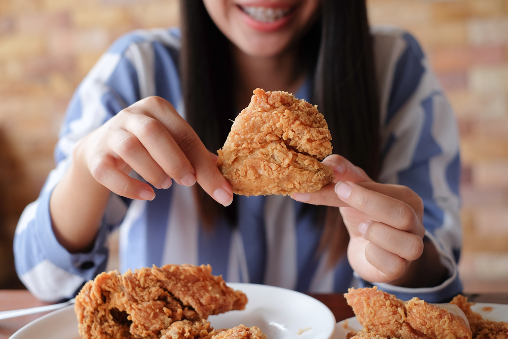 Makanan Penyebab Kolesterol Tinggi yang Sebaiknya Dihindari