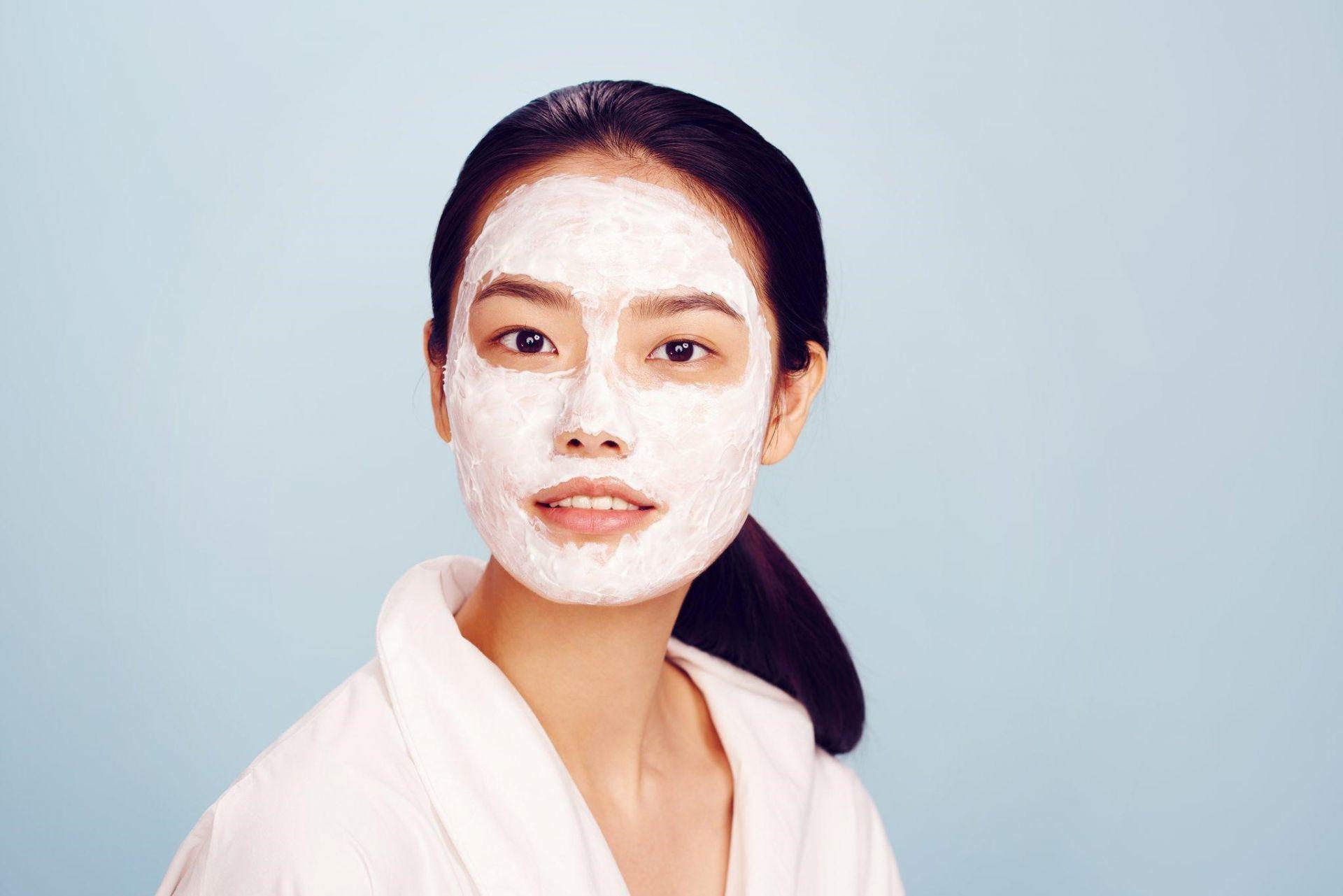 Masker Berbahan Utama Susu Cair Ini Ampuh Atasi Kulit Kering