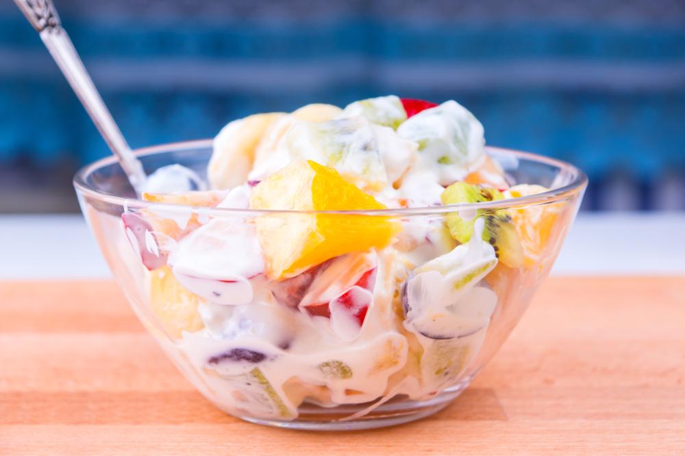 Salad Buah Creamy dengan Susu UHT