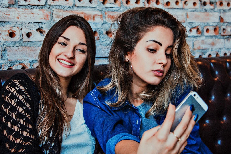 Efek Buruk Keseringan Selfie Pada Kesehatan Mental Remaja