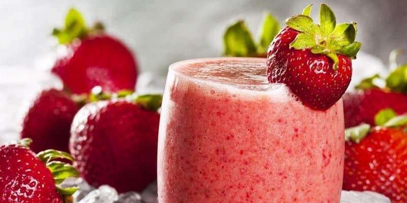 Resep Strawberry Smoothie dengan Susu Ultra Full Cream