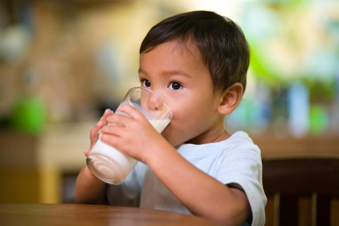Kapan Waktu yang Tepat Si Kecil Minum Susu untuk Menambah Tinggi Badan?