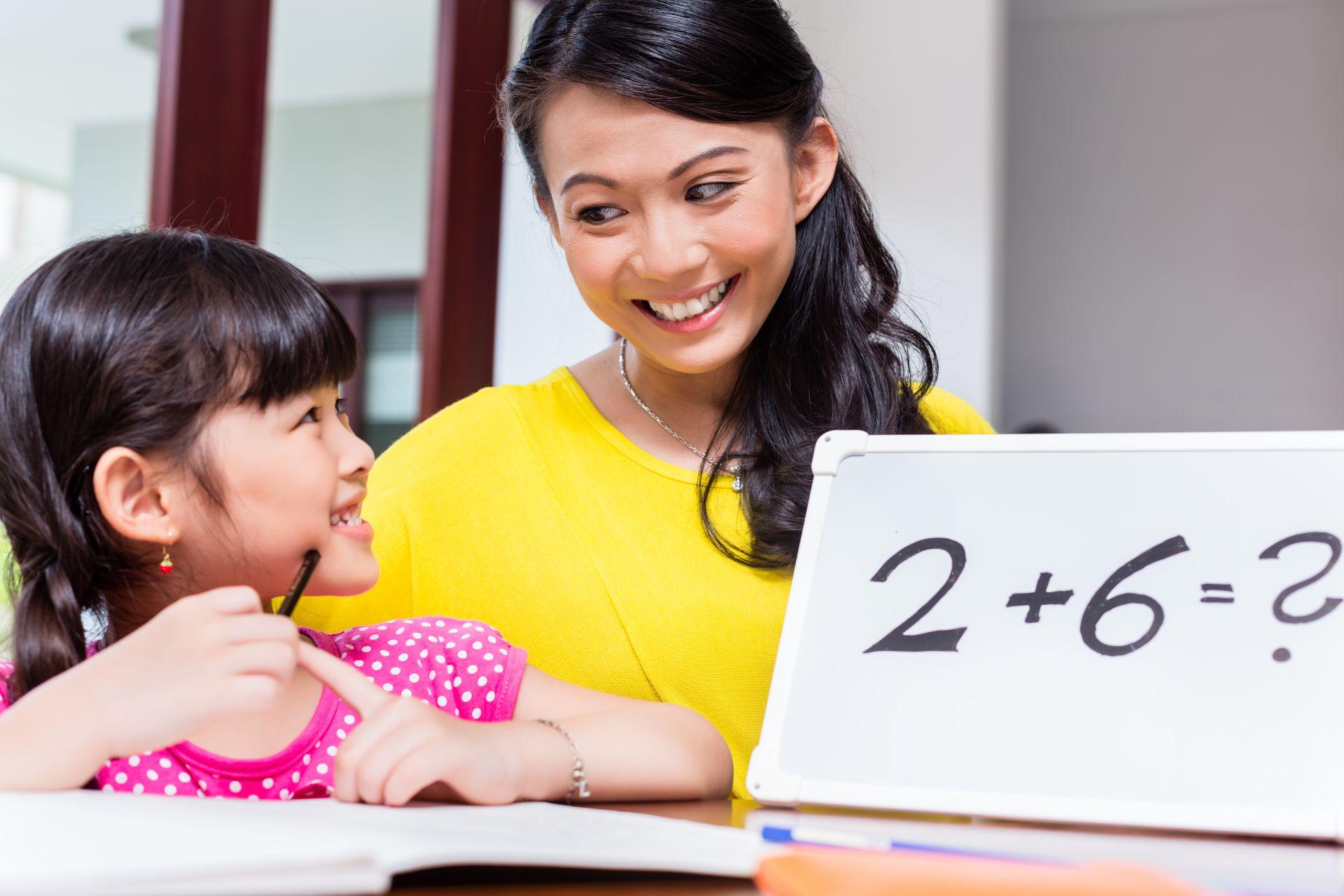 Cara Membantu Si Kecil Tetap Fokus saat Belajar di Rumah