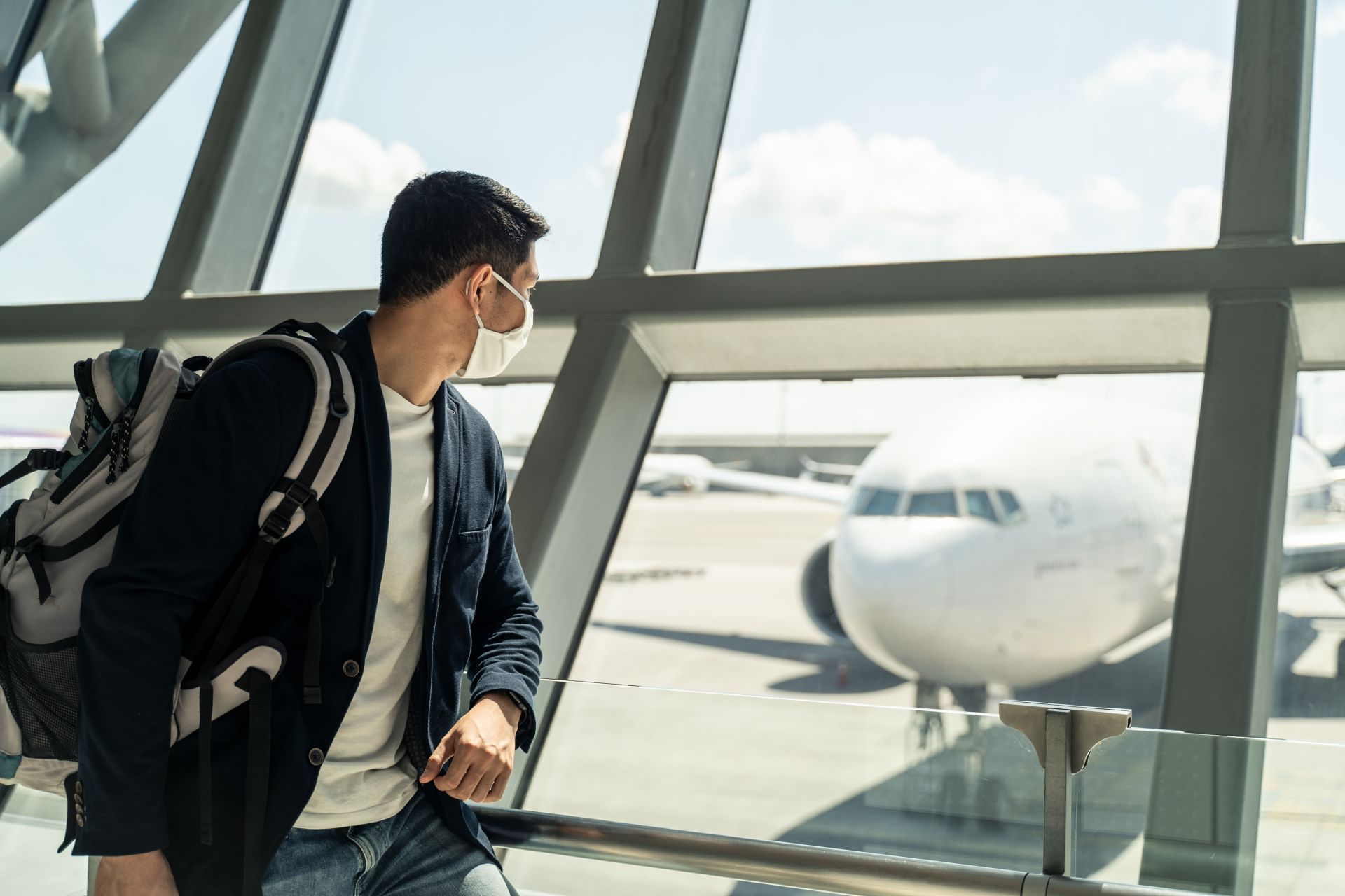 Syarat Terbaru Bepergian dengan Pesawat Terbang