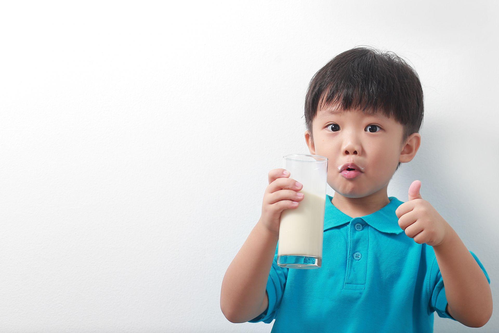 Waktu Terbaik Minum Susu untuk Mendapat Manfaat Maksimal