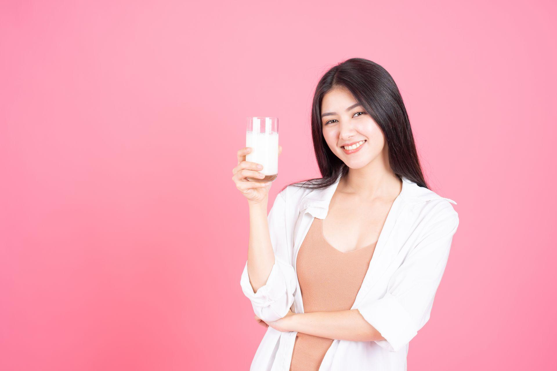Yuk Rutin Minum Susu untuk Dapatkan Kulit Cantik & Sehat!