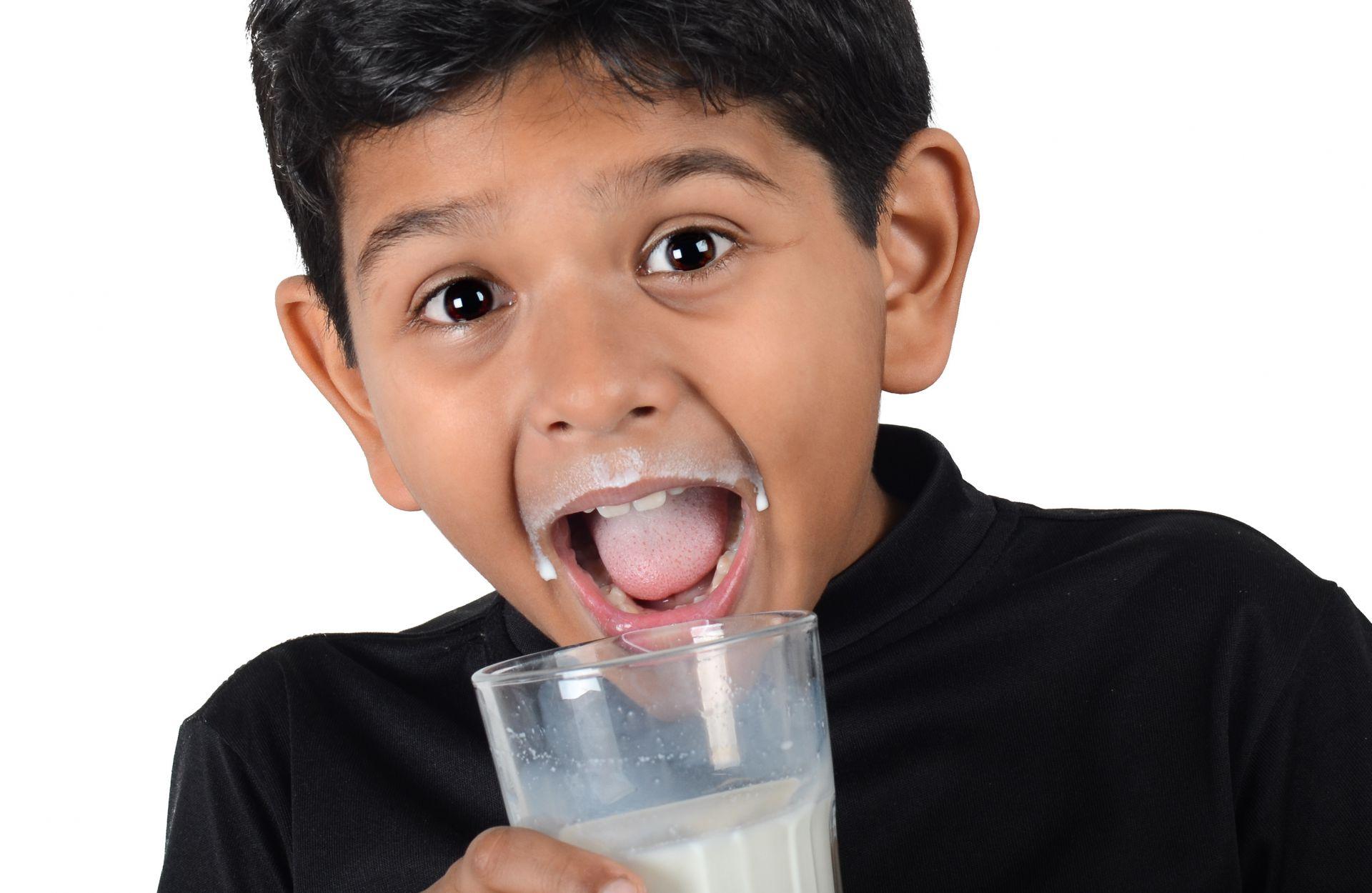 Susu Penyebab Si Kecil Gemuk, Benarkah?